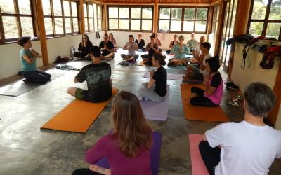 Prática de Yoga com Piquenique no Parque da Independência em São Paulo